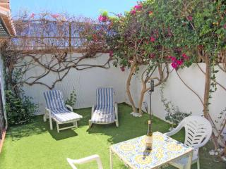 Stylish House With Private Garden, Great Location, Nerja