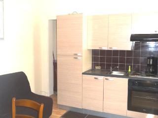 unexpensive flat 12th district porte charenton