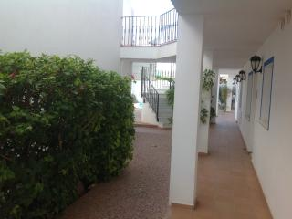 2 bed apart, sleeps 4, WIFI, shared pool, parking, Los Gallardos