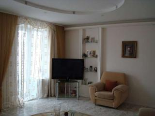 3 BEDROOM APARTMENT IN KHARK FOR RENT FOR EURO 201, Járkov