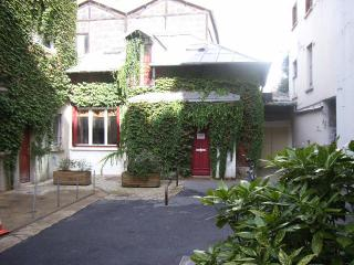 Charming house - private court close Pere Lachaise