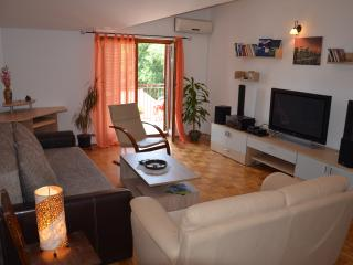 Comfortable apartment  800m from the sea, Peroj