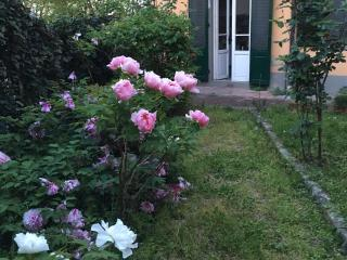 Apartment with garden,ideal for families,sleeps  6, Florence