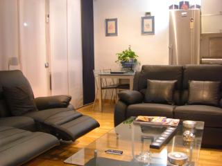 ENJOY BARCELONA IN A COMFORTABLE AND DESIGN FLAT.