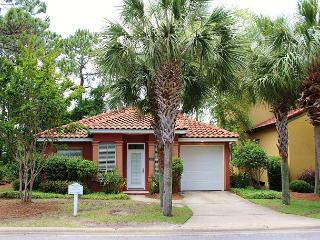 Emerald Oasis, 3BR/2BA private home. Gated neighborhood!