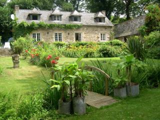 Moulin Glas gîte de charme dans un jardin insolite