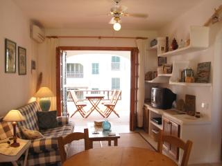 BEAUTIFUL & COMFORTABLE APARTMENT IN BEST PLACE, Fornells