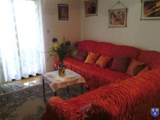 Red Apartment, Kastel Stafilic