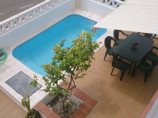 Casa adosada con piscina privada Malaga