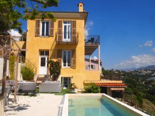 3 pièces 52 m2 6/8 personnes balcon vue mer, Nizza