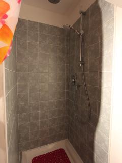 Camera Girasole: la doccia
