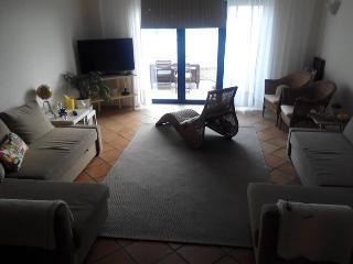 Docemar 1 pé em casa outro na areia, Vila Nova de Gaia