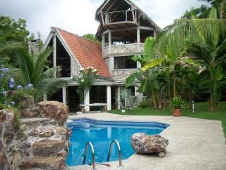 Letwin's little castle, Ayampe