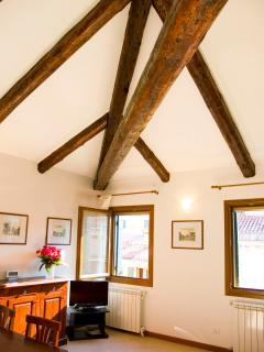 exposed beams in the living-room