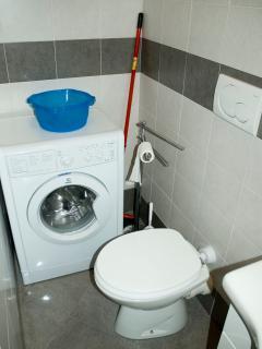 bathroom n. 2