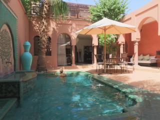villa riad  de charme dans la palmeraie