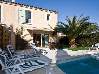 Belle villa piscine privée à 600m de la plage, Antibes