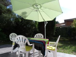 Var Beau studio maisonnette terrasse jardin WIFI