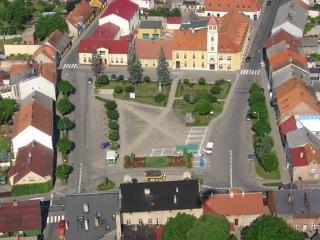 Euro2012: Entire Floor of Single Family Home, Dolsk