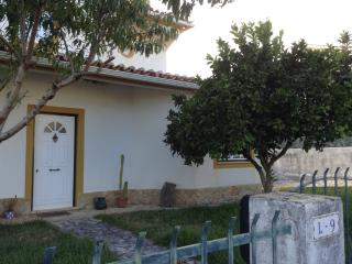 Quiet Villa 20 min from Peniche, Lourinha