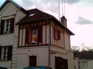 Charmant studio meublé proche Versailles, Les-Loges-en-Josas