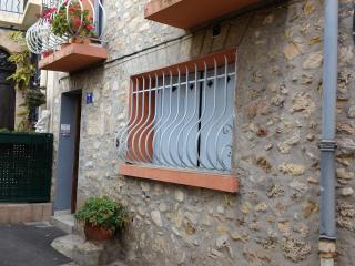 Studio vieux village proche Cannes, Le Cannet