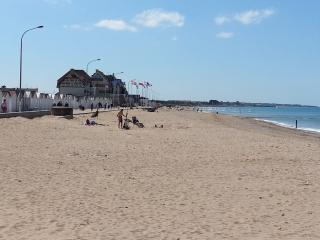 Meuble T2 4 personnes a 30m de la plage