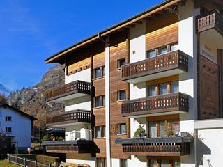 AT HOME IN HOUSE STEINMATTE, IN A PEACEFUL, CENTRA, Zermatt
