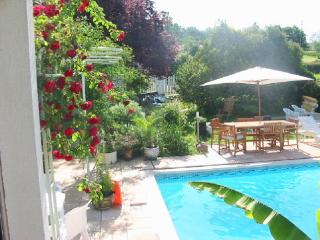 location de charme avec piscine, Saint-Etienne-de-Maurs