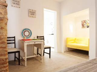 New! Príncipe Real Charming Apartment, Lissabon