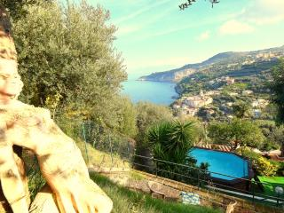 Amalfi Coast VILLA LOBRA with private pool, sea view, free parking