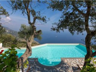 Villa Ulisse 1, Sant'Agata sui Due Golfi