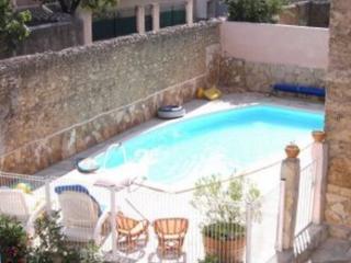 Maison avec piscine privée à 22 km Valras plage, Puisserguier