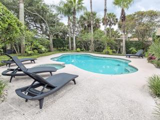 Seaside Estate  ,  Pool , Outside Kit., Pets OK ,Summer Closeout Rate Just 2999