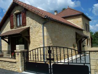 maison avec jardin au centre du village, Salignac-Eyvigues