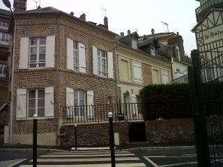 City center Townhome / 4 bdr  8 per, Lisieux