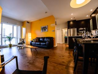 Fully Furnished Luxury Condo - QUARTIER LATIN, Montréal