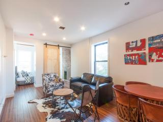 2 Bedroom Rustic Chic Loft, Brooklyn