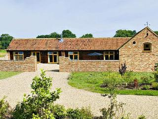 Owl Cottage - Pool, Sauna, Hot Tub for 2-4 Guests, Horncastle