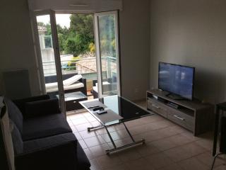 T2 35m2 Idéal FESTIVAL, piscine, jolie résidence, Villeneuve-les-Avignon