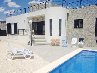 Newbuilt modern Villa with big pool near Benidorm, Polop