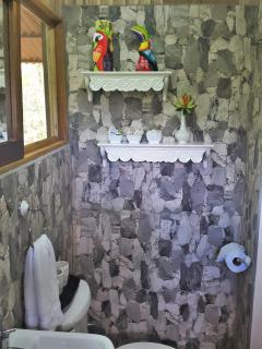Villa Toucan: en-suite bathroom has everything you need