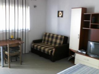 Studio apartman, Razanac