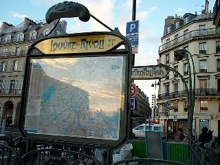 PARIS 50 m2 LOUVRE-St HONORÉ -NOTRE DAME-BEAUBOURG