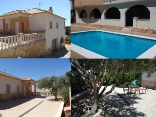 PISCINA PRIVADA, TV+WIFI,120 m2+700m2 jardín, Sitges