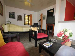 2 Grands Studios independants avec Breakfasts, Siem Reap