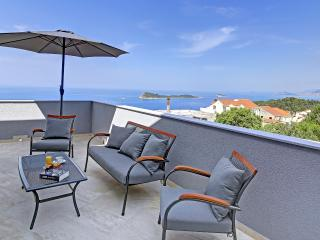 Villa Sandra, a luxury penthouse, Cavtat