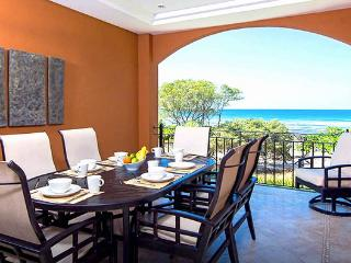 Amapola Suite, beachfront estate