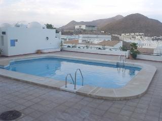 Apartamento un dormitorio piscina comunitaria- Bahia vista bajo
