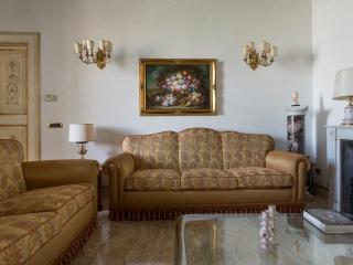 One Fine Stay - Via della Consulta apartment, Roma